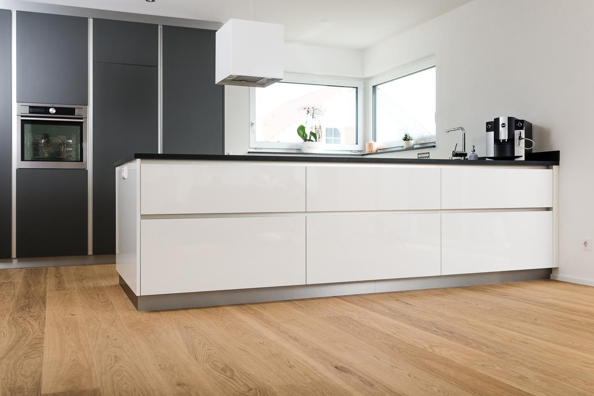 Groß Weiß Beadboard Küchenschränke Bilder Fotos - Ideen Für Die ...